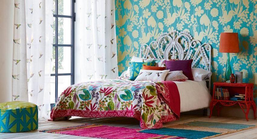 Foto in stile moderno: interno camera da letto con due ...